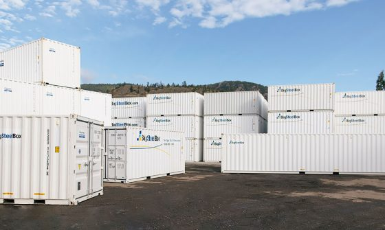 Shipping container sizes in storage yard