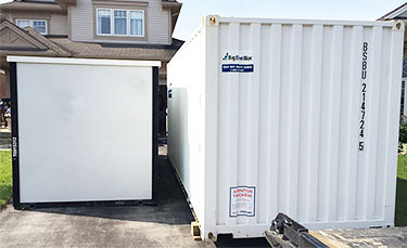 Aluminum panelled moving container